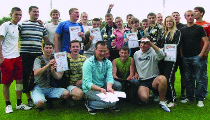 Învingătorii competiţiilor între căminele studenţeşti, una dintre activitățile preferate ale studenților, anul 2010