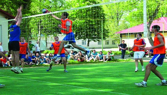 Echipa UTM de volei, campioană la Spartachiada locatarilor căminelor studenţeşti, anul 2013