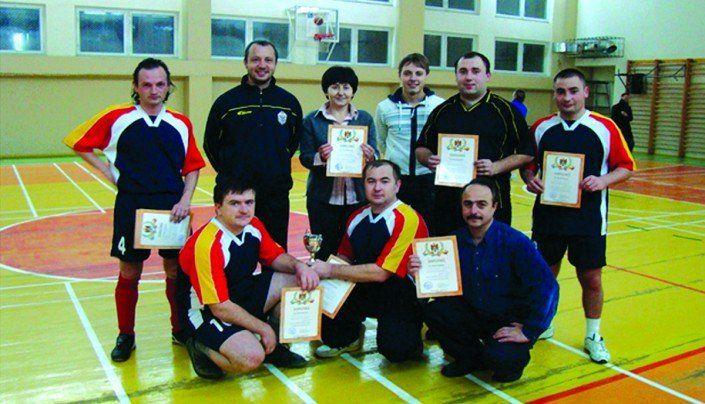 Echipa FIMCM, învingătoare la competiţiile de minifotbal între cadrele didactice şi colaboratorii UTM, anul 2011