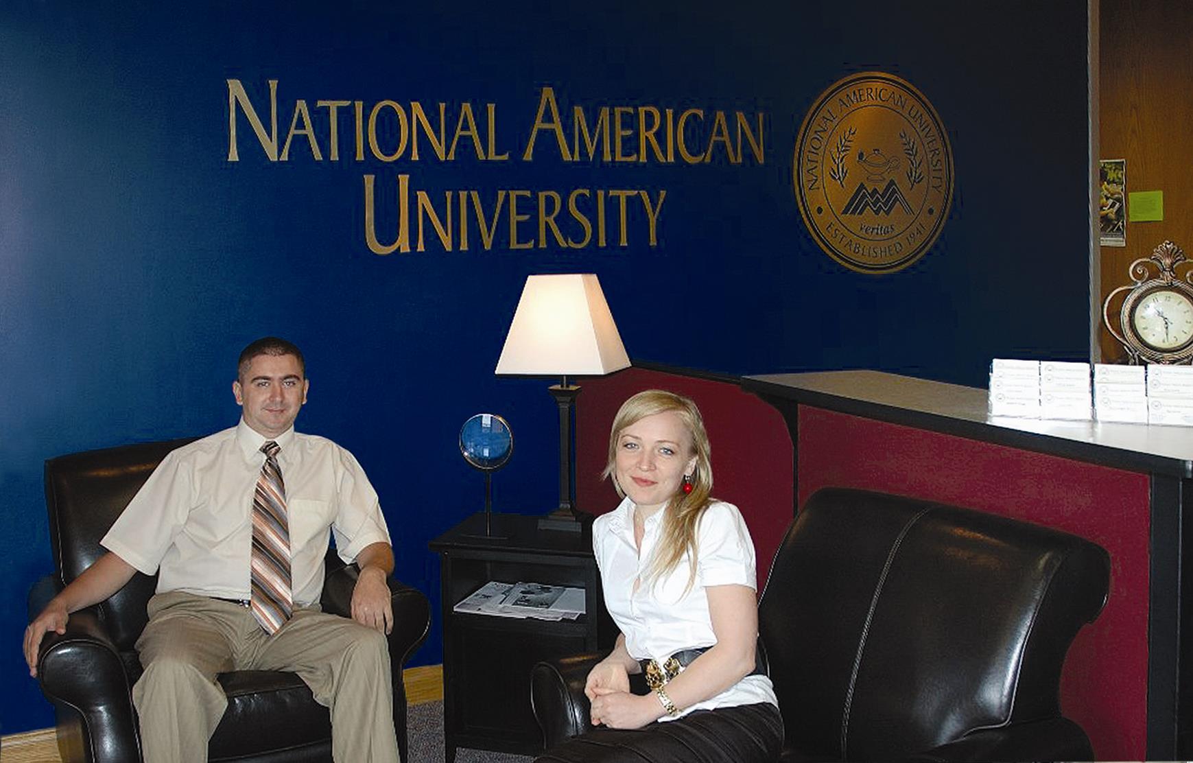 Lect. sup. Dinu ȚURCANU și lect.sup. Tatiana ȚURCANU la cursuri de perfecționare în cadrul National American University, Minnesota, SUA, 2015.