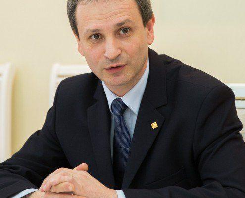 rectorul UTM, prof