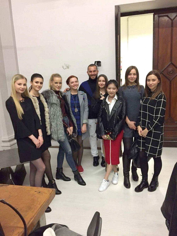 studentele-fiu-la-fine-art-academy-di-como_5