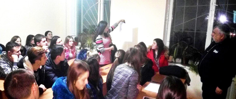 Studentii in dialog cu psihologul Olesea Pletniov_3