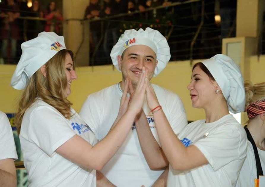concursul Hrăneşte un student flămând_0