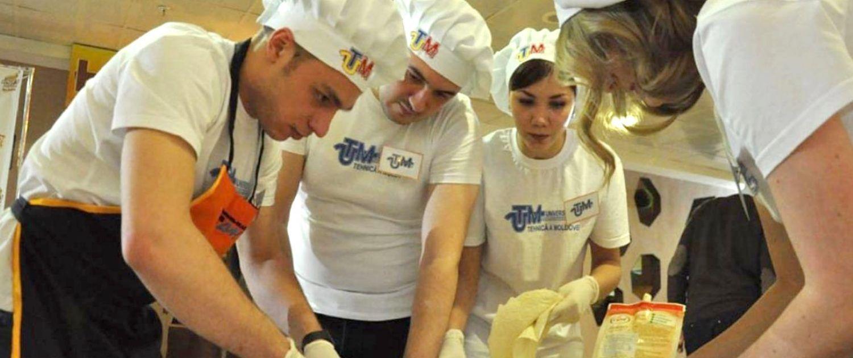 concursul Hrăneşte un student flămând_2